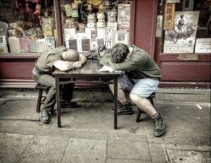 TEMPS DE PAUSE : Le salarié est-il payé ? L'employeur peut-il le déranger ?